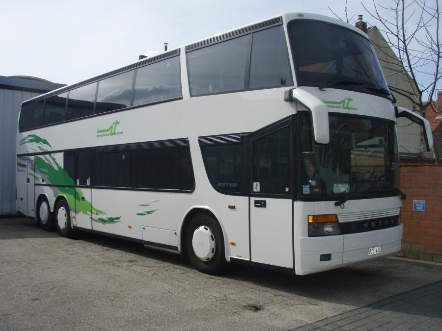 Carrosserieherstellingen en herspuiten bus